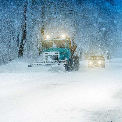 snow-plow-doing-PA8T6QV (1)